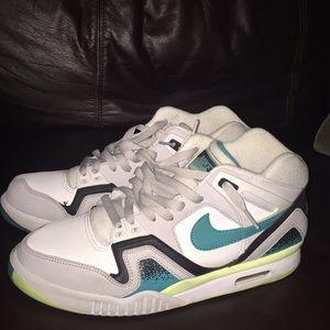 Nike Air tech